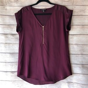 🎃 Express Burgundy Zip Front V Neck Short Sleeve